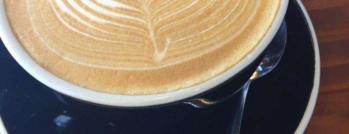Cafe Gold Coast is one of Orte, die Lauren gefallen.