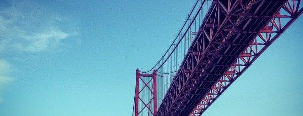 Ponte 25 de Abril is one of 101 coisas para fazer em Lisboa antes de morrer.