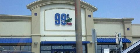 99¢ Only Store is one of Locais curtidos por Stacy.