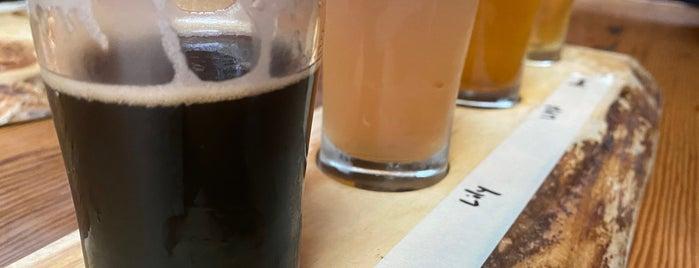 The Peak Bistro and Brewery is one of Mayor : понравившиеся места.