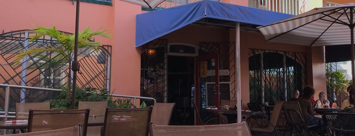 Cafe Fresco is one of Locais curtidos por Ilan.