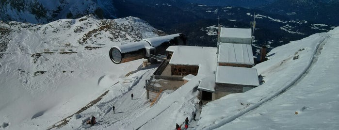 Bergstation Karwendelbahn is one of J : понравившиеся места.