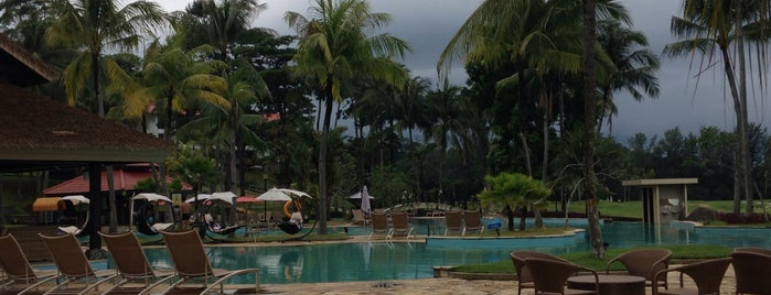 Swimming Pool Bintan Resort is one of Locais curtidos por Lorraine.
