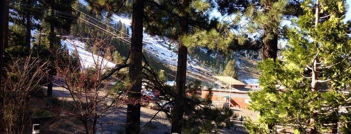 Heavenly View Cafe & Pub in the Pines at the Tahoe Seasons Resort is one of สถานที่ที่บันทึกไว้ของ Missy.