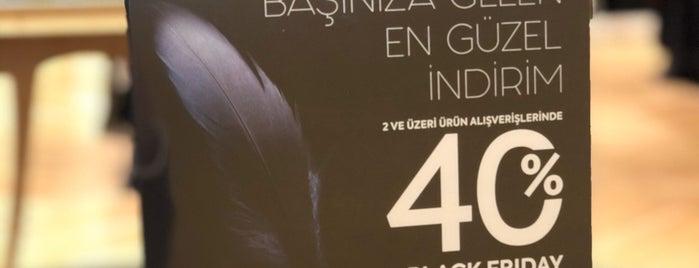 Beymen Club is one of Özge'nin Beğendiği Mekanlar.