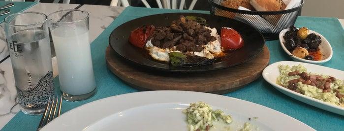 Hasır Restaurant is one of €.'ın Beğendiği Mekanlar.