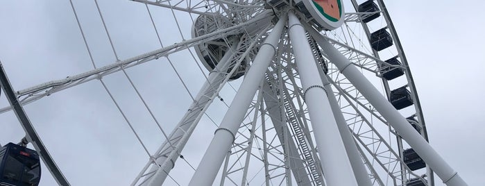 Centennial Wheel is one of Tempat yang Disukai Sandybelle.