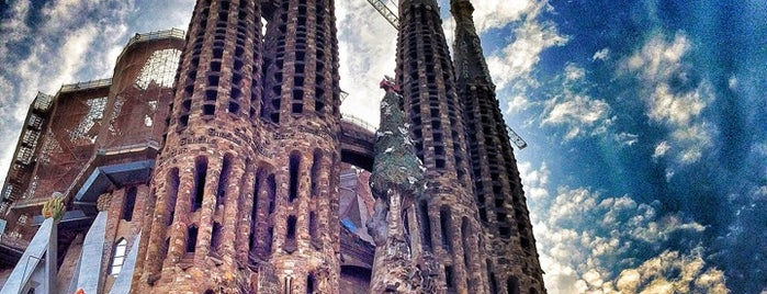 Sagrada Família is one of Turismo Barcelona.