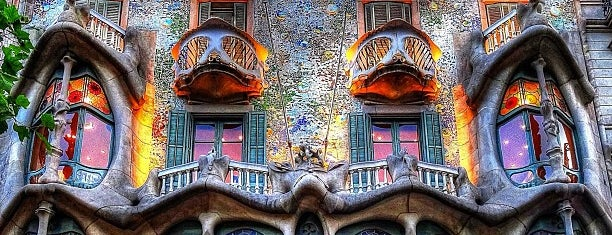 Casa Batlló is one of Lieux sauvegardés par Taylor.