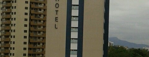 Ibis Hotel is one of Moisés : понравившиеся места.