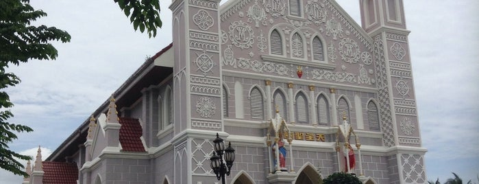 โบสถ์คริสต์พระหฤทัย (โบสถ์วัดเพลง) is one of ราชบุรี.