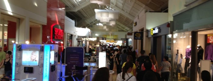 Sawgrass Mills Food Court is one of Lynnes list.