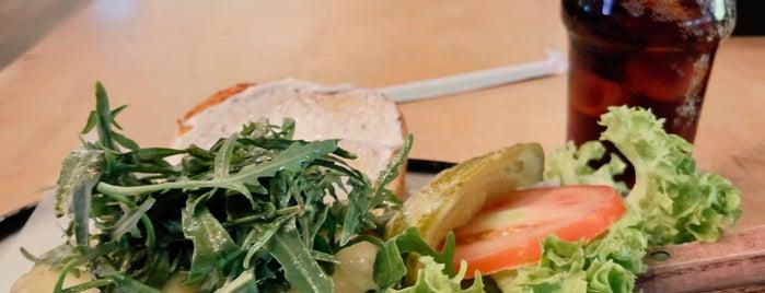 Black Tap Craft Burgers & Shakes is one of Lieux sauvegardés par Soly.