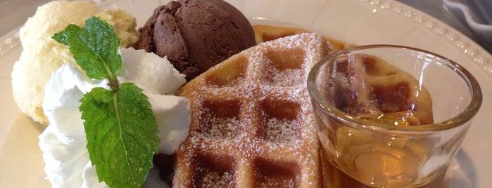 La Glace Desserts & Eatery is one of ลพบุรี สระบุรี.