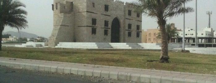 Jeddah Gate is one of สถานที่ที่ Bandder ถูกใจ.