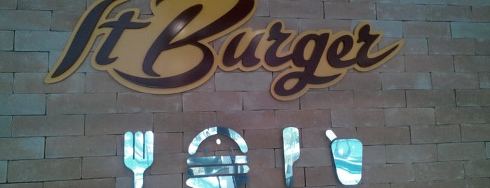 IT Burger is one of Locais salvos de Fabio.