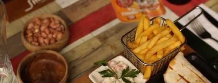 Big Table Cafe & Restaurant is one of สถานที่ที่บันทึกไว้ของ Dilek.