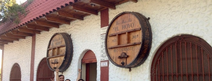 El Hoyo Restaurant is one of Chile.