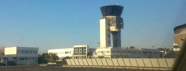 Aéroport Cannes-Mandelieu (CEQ) is one of Locais curtidos por Ksenia.