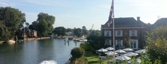 Macdonald Compleat Angler is one of Posti che sono piaciuti a Carl.