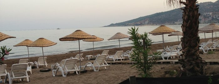 Zemuri Cafe Beach Restaurant is one of Antalya my to do list.