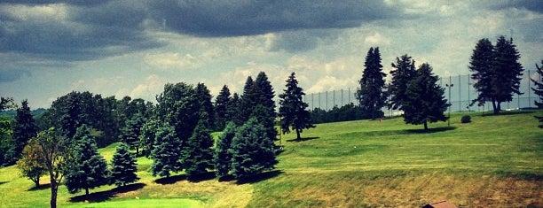 Scally's Golf Center is one of Lugares favoritos de Tiona.