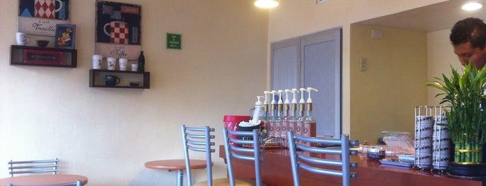 Rico Aroma Tea & Coffee Shop is one of Heshu 님이 좋아한 장소.