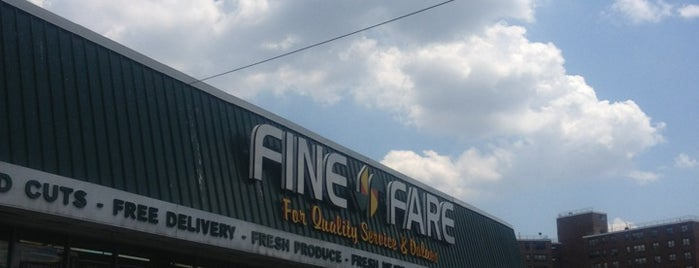Fine Fare is one of Lugares favoritos de Jason.