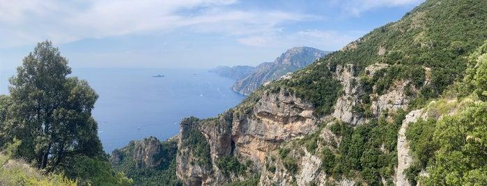 Sentier des Dieux is one of La dolce vita.
