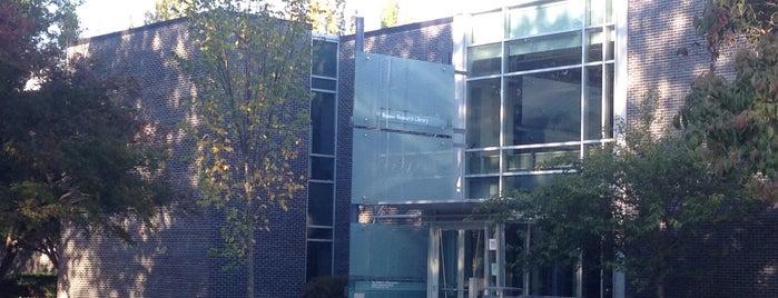 Rakow Research Library is one of jenny'in Beğendiği Mekanlar.