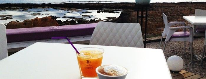 Coco Beach is one of Locais salvos de Robert.