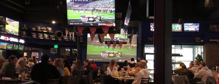 Spectators Bar & Grill is one of Posti salvati di Cathy.