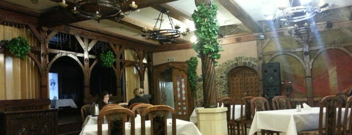 "Готель ""Гетьман"" / Hetman Hotel is one of Lieux qui ont plu à Александр."