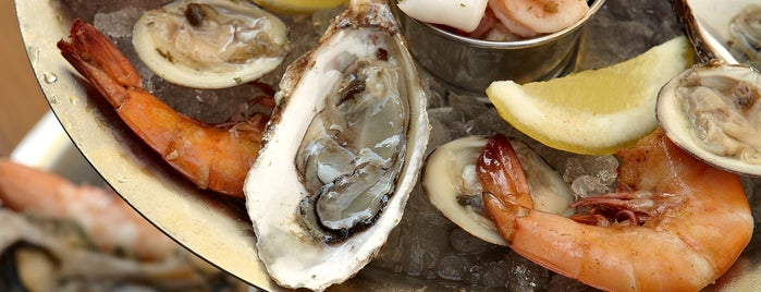 Hank's Oyster Bar is one of 25 Top Spots for Oysters in the U.S..