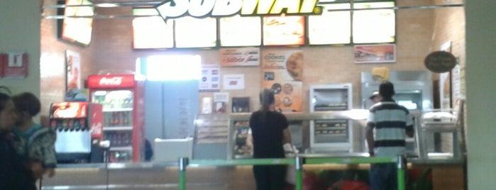 Subway is one of Orte, die Marina gefallen.