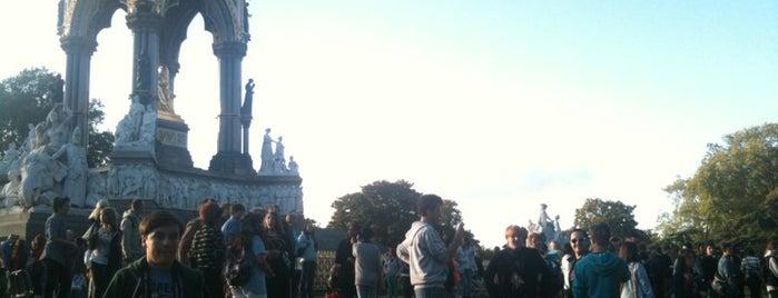 Albert Memorial is one of London Favorites.