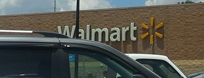 Walmart Supercenter is one of Lugares favoritos de Latonia.