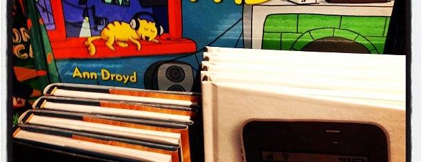 Paper Source is one of สถานที่ที่ Shawna ถูกใจ.