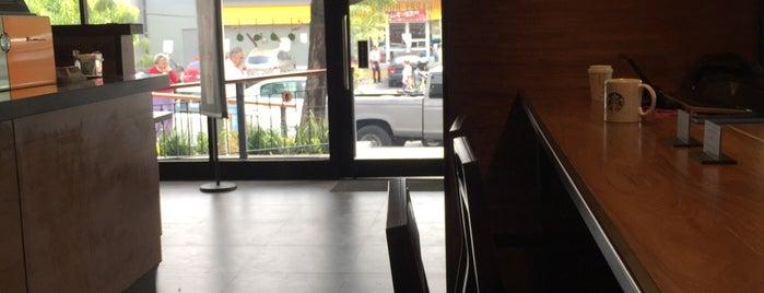 Starbucks is one of Posti salvati di Karen 🌻🐌🧡.