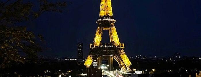 La Girafe is one of Paris.