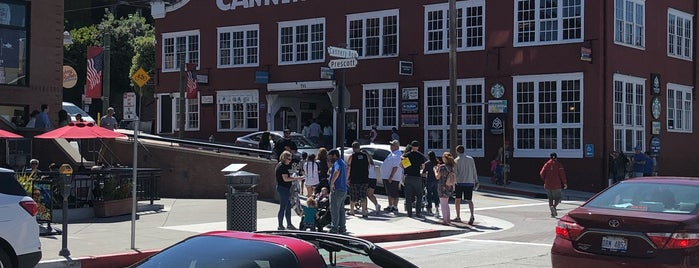Cannery Row is one of Lieux qui ont plu à Alan.