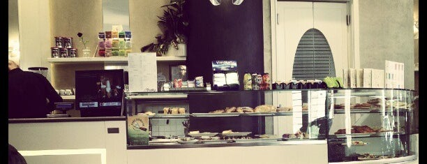 Vanity Cafe' is one of colazione a bologna.