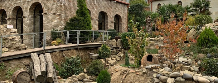 Old city wall | ძველი ქალაქის გალავანი is one of Тбилиси.