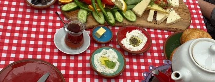 Ethem Efendi Kahvaltı is one of İstanbul kahvaltı.