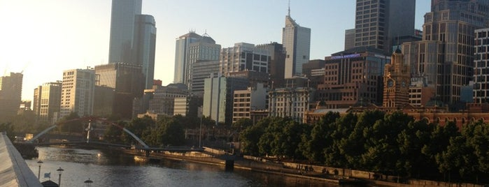 Yarra River is one of Melbourne.