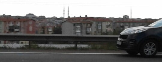 Kayışdağı Merkez Camii is one of mekanlarım :)).