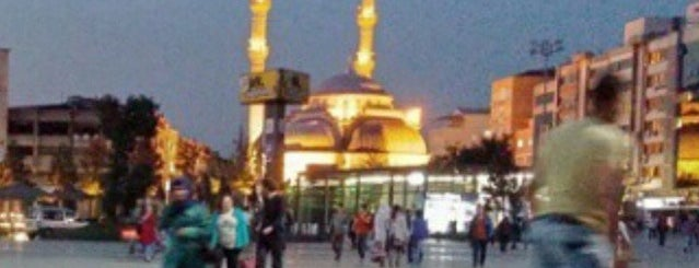 Çağlayan Yeni Camii is one of Lugares guardados de Alaaddin.