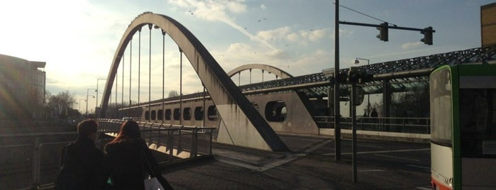 Noltemeyerbrücke is one of Hannover-List.