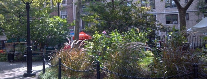 Abingdon Square Park is one of long walks - NY airbnb.