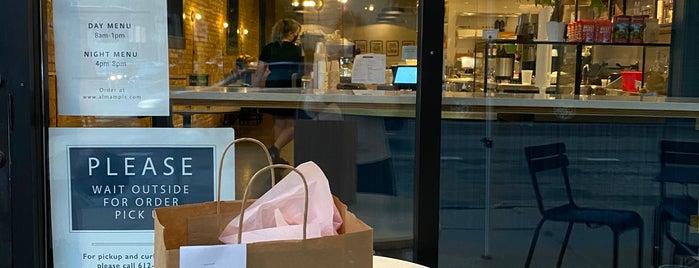 Café Alma is one of Tempat yang Disukai Rachel.